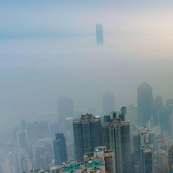 Imagem representando a poluição em artigo sobre acne